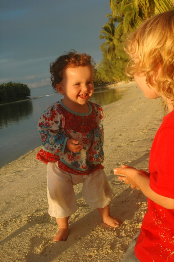 kids at sunset, Aitutaki