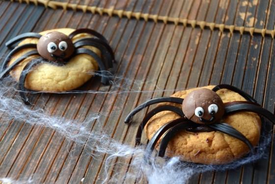 Creepy Crawly Cookies