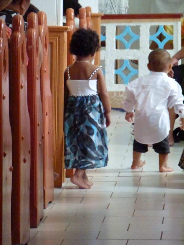 Rarotonga kids in church