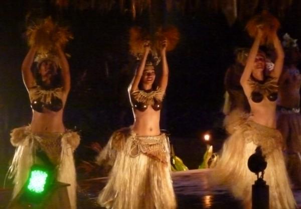 Te Vara Nui Cultural Village Hula dance