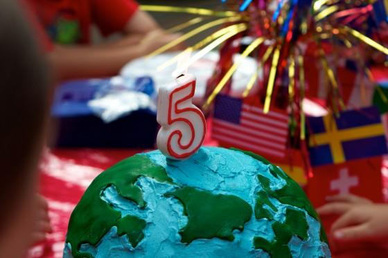 Globe cake