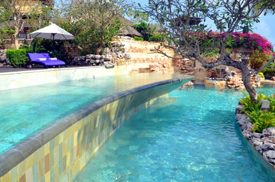 Ayans pool