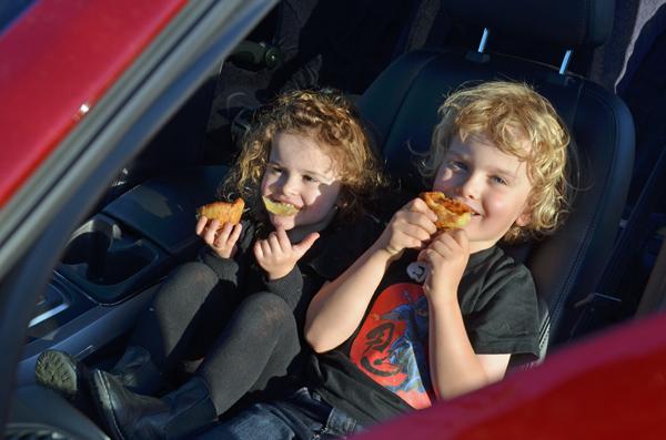 Kids eating portugese tarts