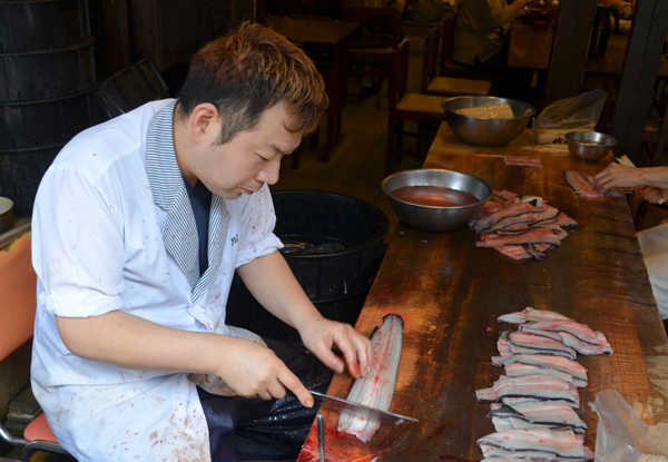 Chef preparing Unagi in Omotesando Street