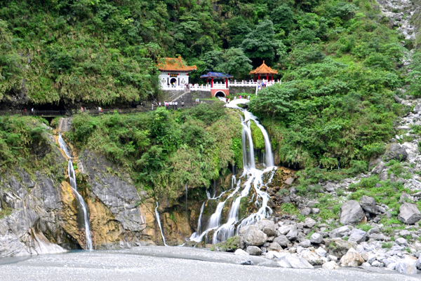 Changchun Eternal Spring Shrine Taroko, Taiwan