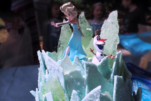 Queen elsa frozen birthday party cake