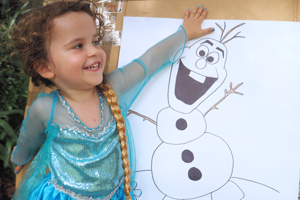 Pin the nose on the Olaf