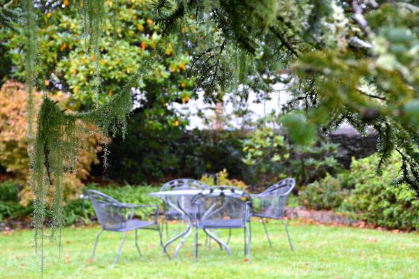 Waldorf Leura Resort gardenss