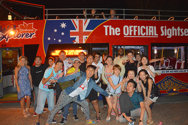 Group shot Brisbane Explorer Bus #escapers15
