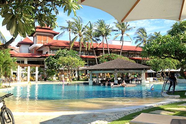 Holiday Inn Baruna Bali Pool