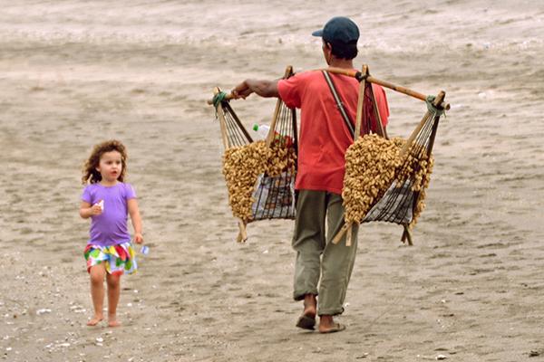 Strolling along the beach Holiday Inn Baruna Bali