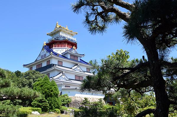 Azuchi Momoyama Bunka Mura's full-size replica of Azuchi Castle