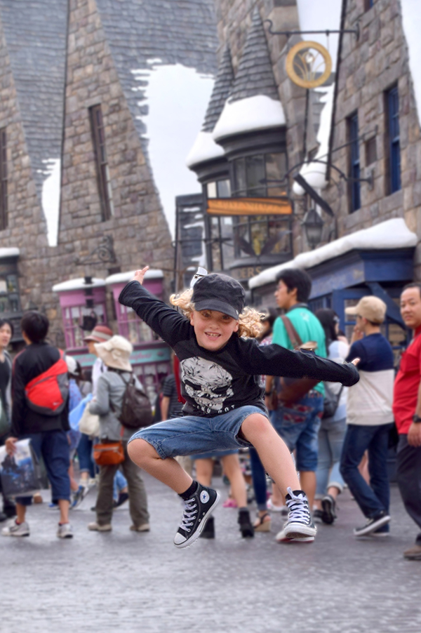 Flying without the need of a broomstick at the Wizarding World of Harry Potter at Universal Studios Japan