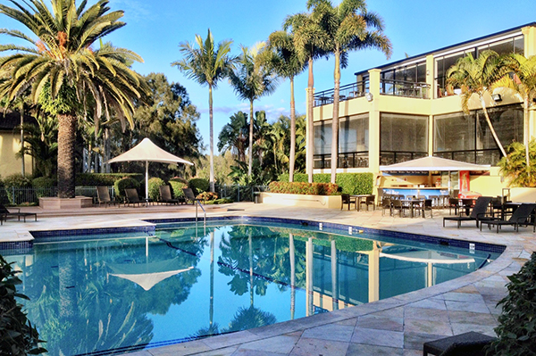 Poolside at Mercure Gold COast Resort - perfectly located by the 5 best Gold Coast Theme parks