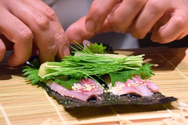 CHef Oba making sushi at Sushi Kokoro Tokyo