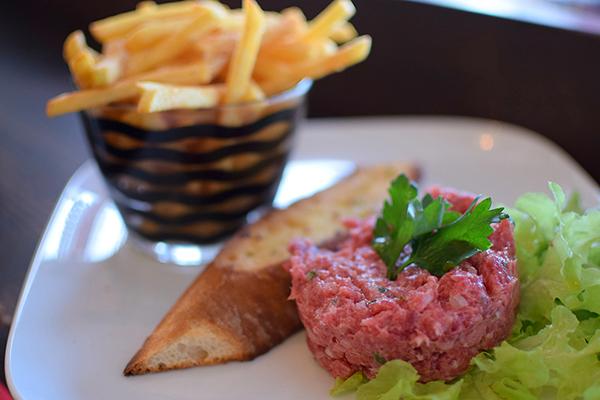 Steak tartare at Hemingway's Manly