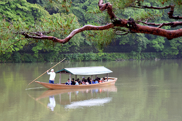 TImber boat at Arashiyama