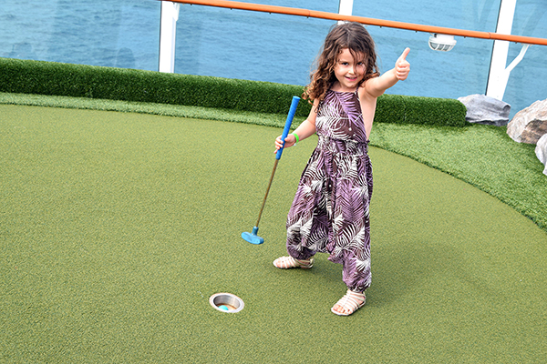 Mini golf. Explorer of the Seas for kids