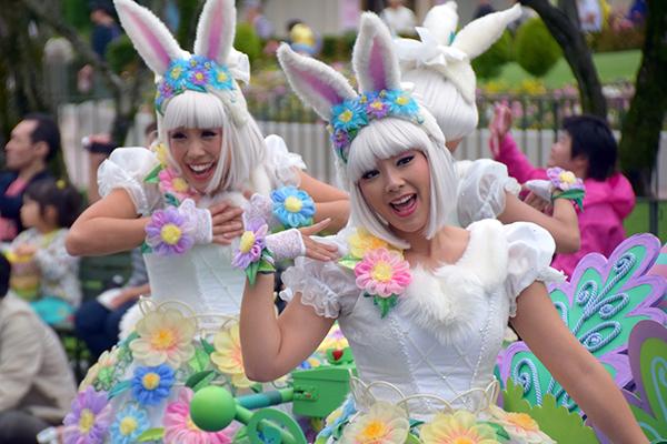The daytime parade at Tokyo DIsneyland