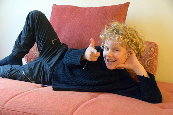 getting comfy on the day bed at the Novotel on Darling Harbour