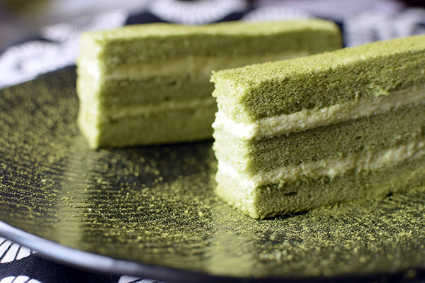 Matcha green tea layer cake with mascarpone cream