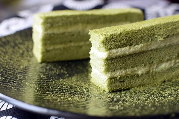 Matcha green tea layer cake with mascarpone cream