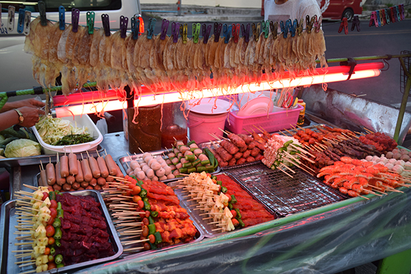5 reasons Phuket is paradise for kids - Street food