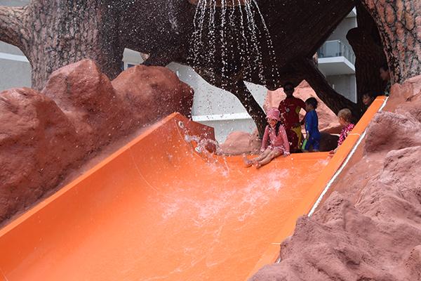 5 reasons Phuket is paradise for kids - Splash Jungle Water Park.