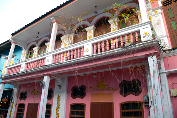 5 reasons Phuket is paradise for kids - Phuket Old Town