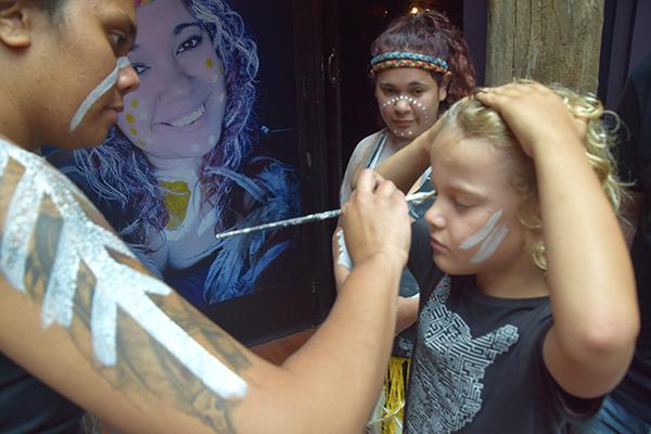 Welcome paint at Waradah Aboriginal Centre