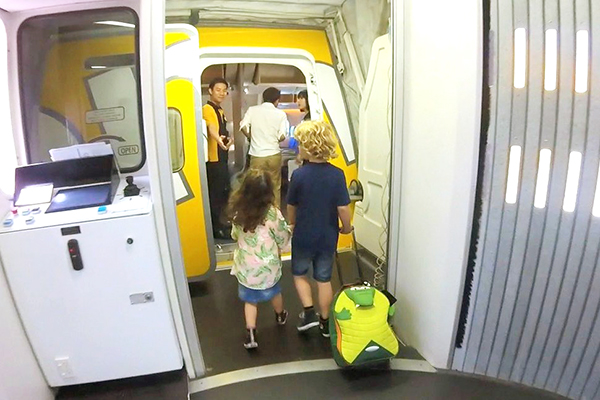 20 absolutely essential family travel hacks