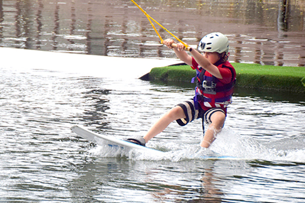 SIngapore by kids: Singapore wakeboard park