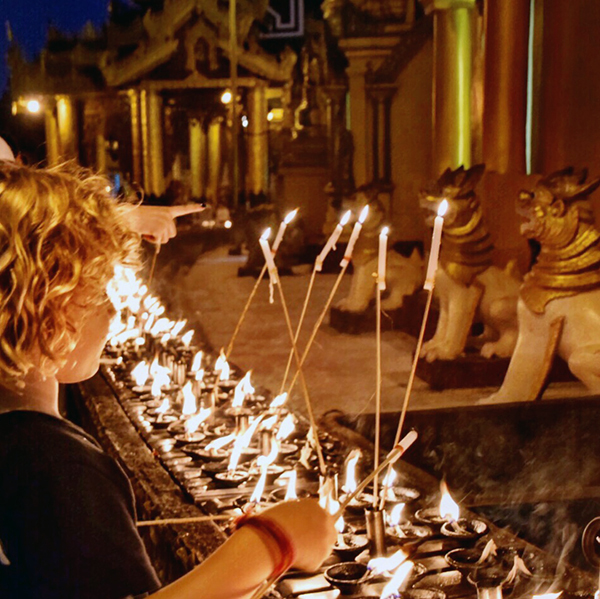 Raffles helps light up Shwedagon Temple #escapers17