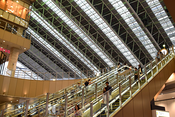 Japan by Kids: Enormous Train Stations can be intimidating