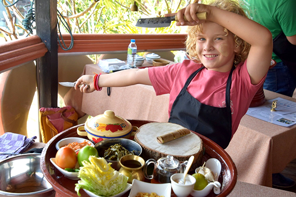 Cooking lessons at NyaungShwe'sTheShan Restaurant at ViewPoint Lodge