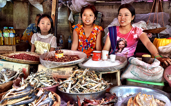Mingalar Market, Inle Lake