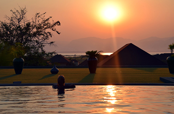 Sunset from the infinity Novotel Inle Lake Myat Min #escapers17
