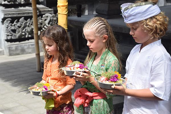 Bali by kids - at teh temple Sofitel Bali Nusa DUa