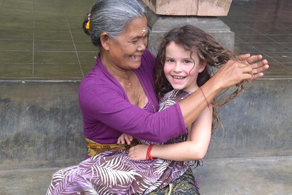 Bali by kids: Making friends