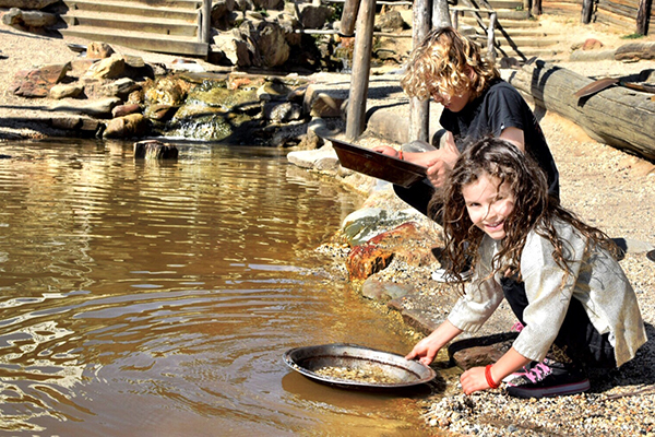 Panning for fold at Sovereign Hill with kids