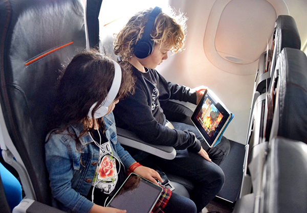 Download Netflix movies easily for your flight