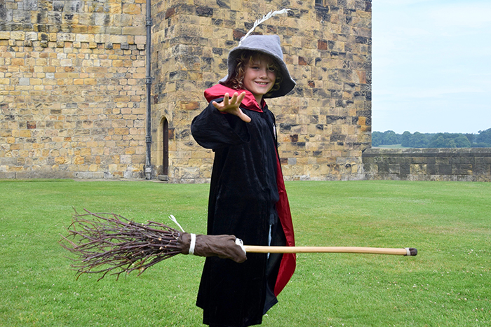 DIY Harry Potter UK tour Broomstick training Hogwarts Style at Alnwick Castle