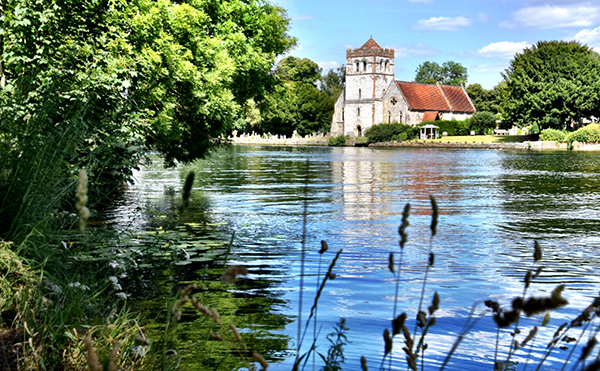 Marlow township on the Thames