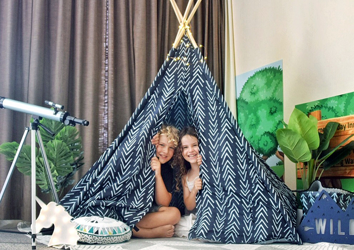 Tee-Pee : Kids Glamp Out at Holiday Inn Potts Point