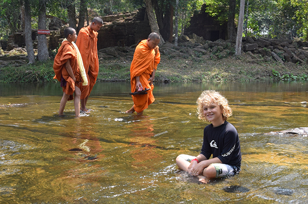 Phnom Kulen Raffles lounging a river of monks