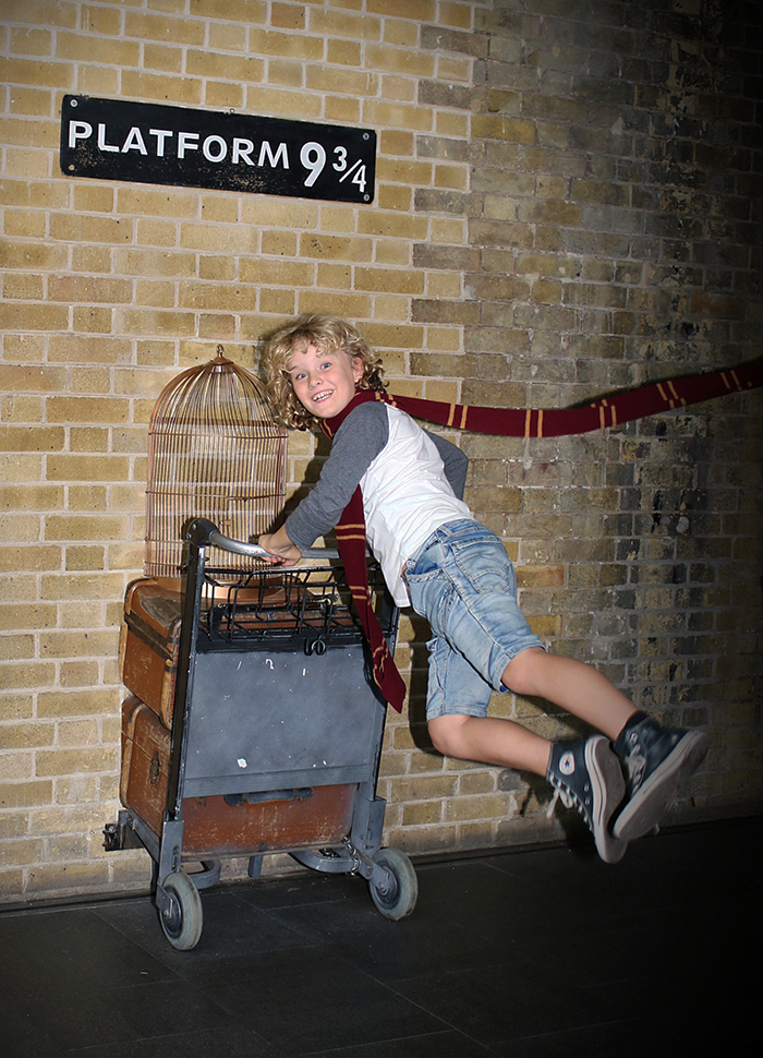 Hunting for Harry Potter: Platform 9 3/4 Kings Cross Station