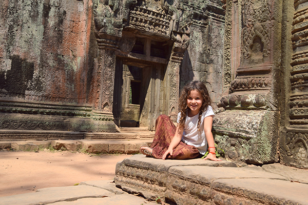 Ta Prohm - my Little Lara takes a rest