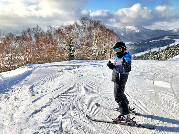 A kid's guide to powder skiing - skiing at Hoshino Resorts Tomamu