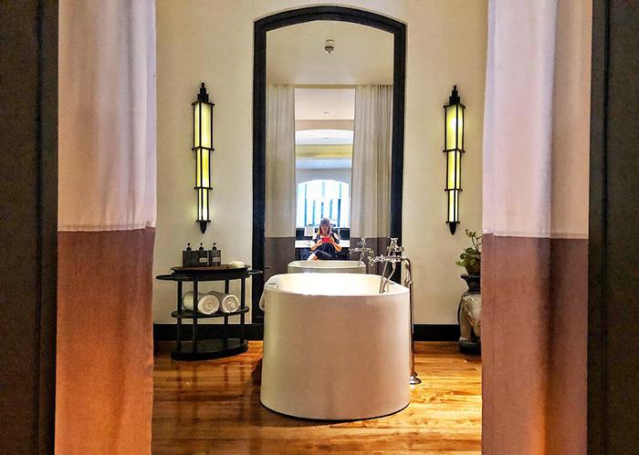 The bathroom Mae Nam Suite entry at The Siam Hotel Bangkok | boyeatsworld.com.au
