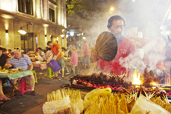 Satay Street at Lau Pa Sat - Image © SIngapore Tourism Board